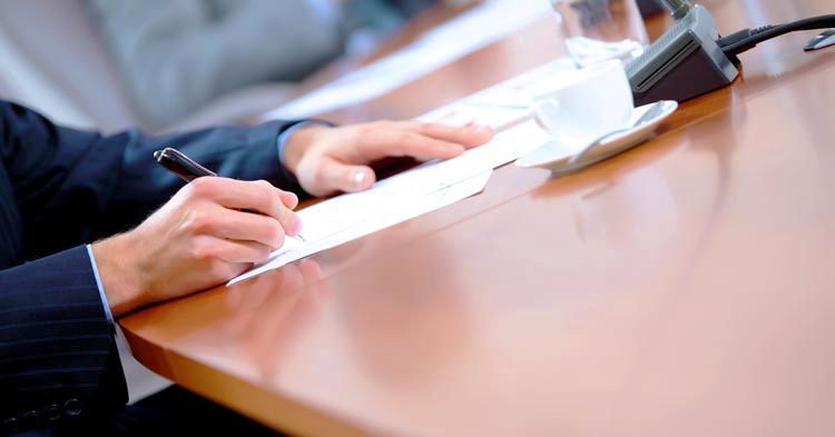 signing a non-solicitation agreement with the help of an employment lawyer